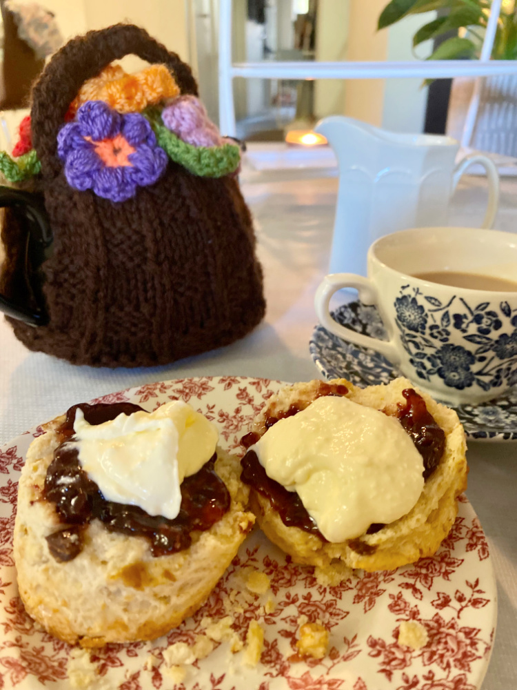 sticky date scones and cup of tea
