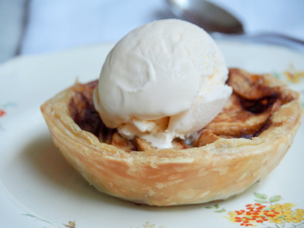 easy apple pies close up